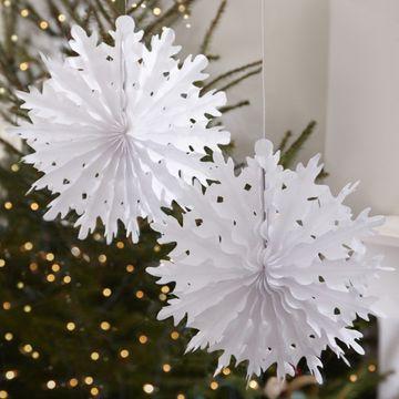 Vintage Noel Hanging Snowflakes