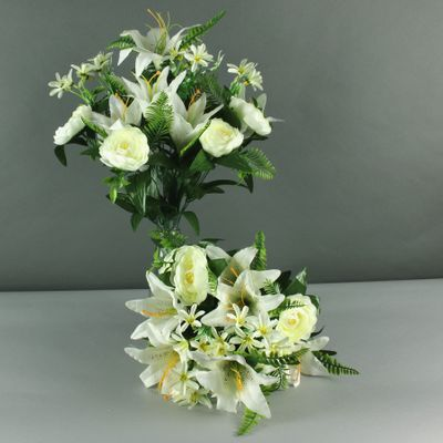 Lily rose mixed bush x 18 cream