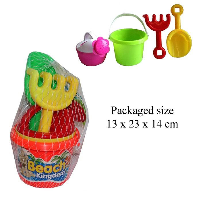 T19450 Sand Set With Bucket Watering Can Spade And Rake.