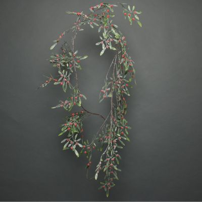 frosted red berry misletoe garland 180cm