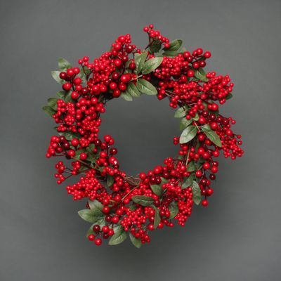 Red berry and leaves wreath 52cm