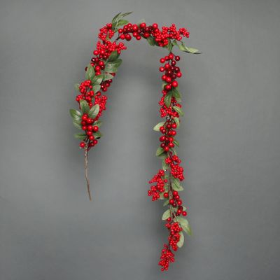 Red berry and leaves Garland 150cm