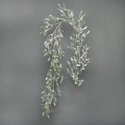 Misletoe frosted garland