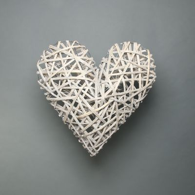 Lafayette Grey washed willow heart 54cm