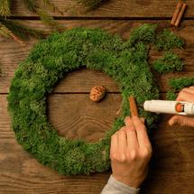 Moss Wreaths sub