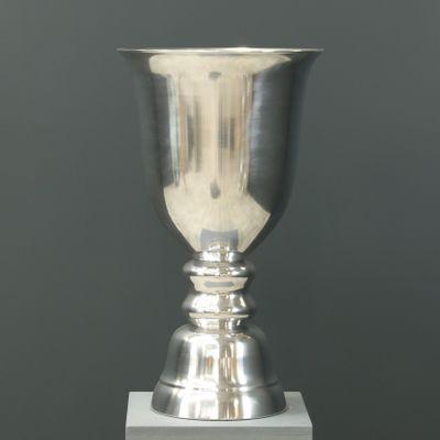 Aluminium vase polished