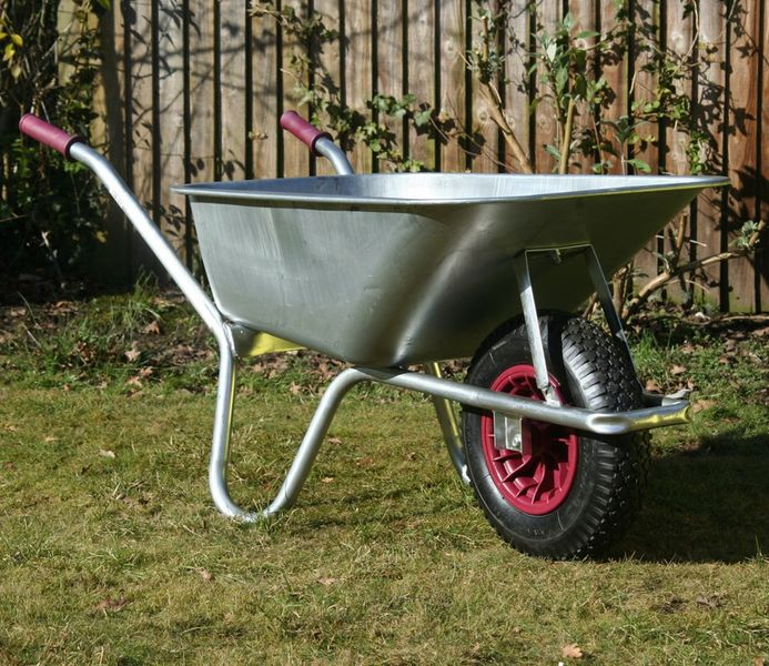Maingate Carrier Galvanised Wheelbarrow