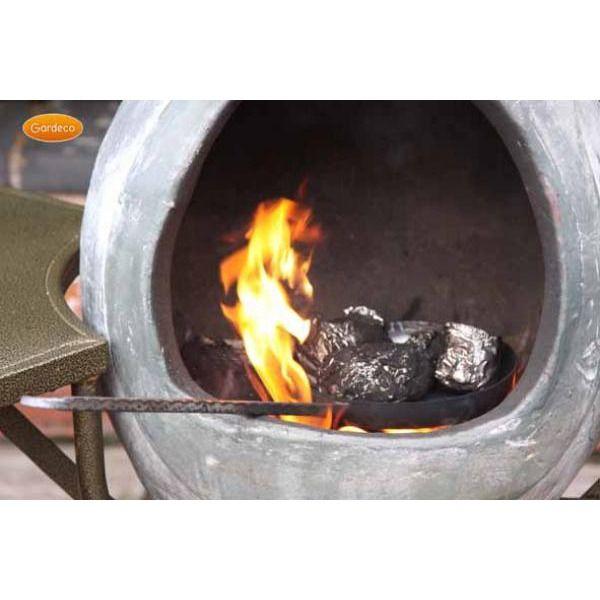 Gardeco Chestnut Roasting Pan - In use
