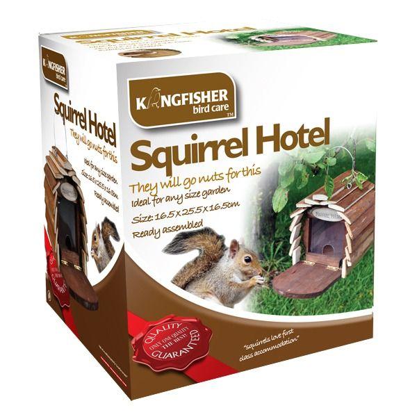 Kingfisher Wooden Squirrel Feeder