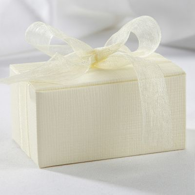 Ivory Truffle Favour Box