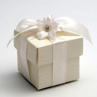 Ivory Ardesia Favour Box