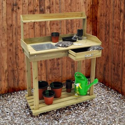 Kingfisher Potting Bench - In use