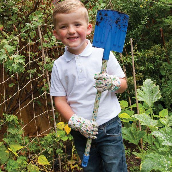 Peter Rabbit Garden Spade - In use